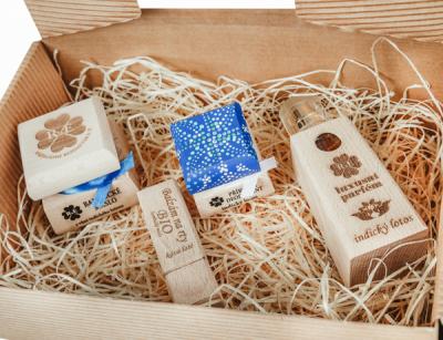 RaE přírodní kosmetika - Dámský dárkový balíček - Lotos - Barevný velký