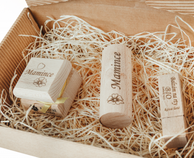RaE přírodní kosmetika - Dámský dárkový balíček - Vanilka a orchidej - Vlastní motiv
