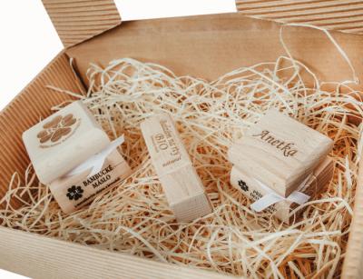 RaE přírodní kosmetika - Dámský dárkový balíček - Deodorant s vlastním motivem  Káva laté